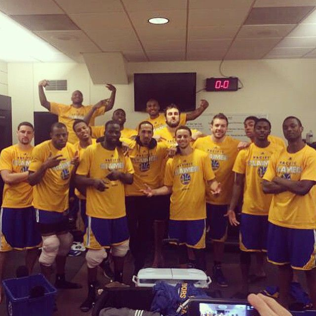 2014 - 2015 Golden State Warriors clinch the Pacific Division Championship