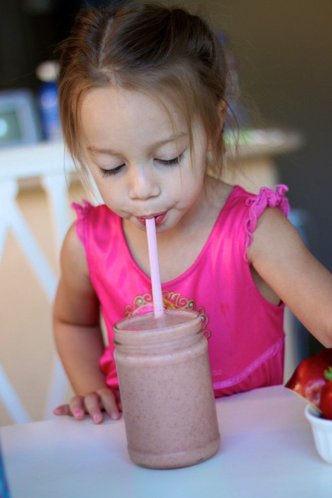 Pink Guava Smoothie and Pre School Lunch // First Day of School Meal Ideas