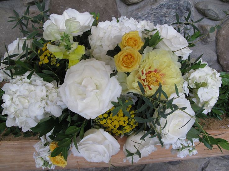 Vermont Wedding Flowers At The Ponds Bolton Valley White And Yellow