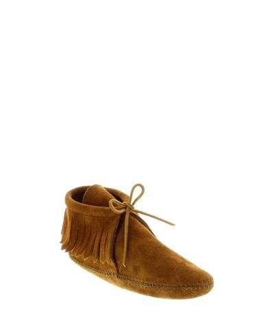 Currently obsessed with the Classic Fringe Boot Softsole in Minnetonka Brown