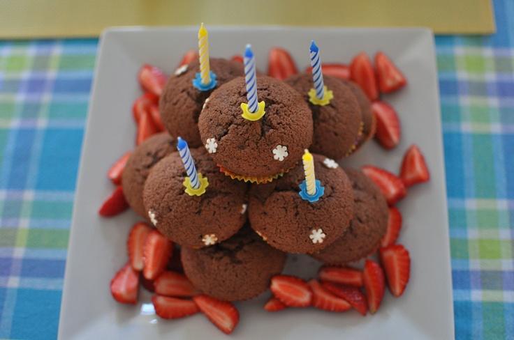 birthday muffin-cake
