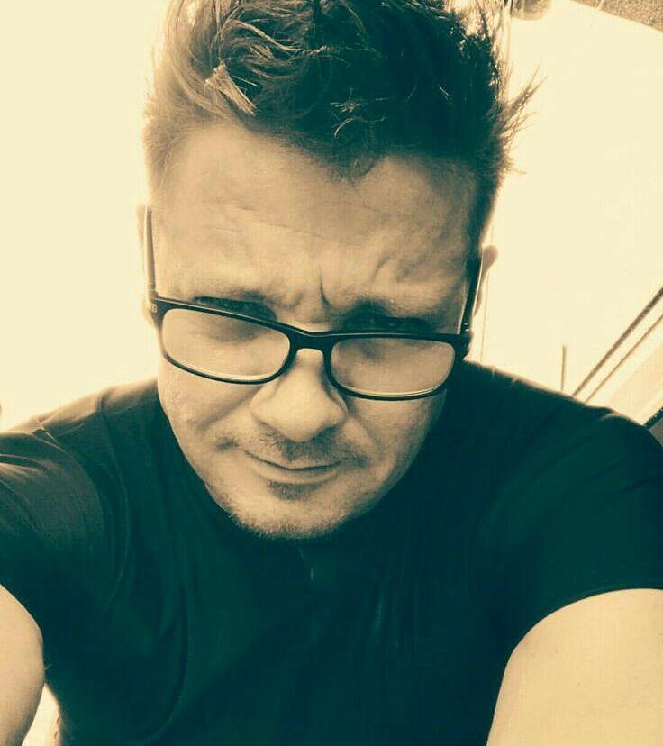 When Hawkeye needs those glasses? #jeremyrenner #swipeleft