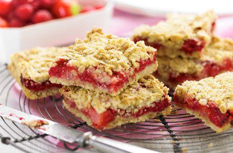 Raspberry and strawberry oaties #recipe