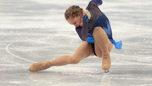 """Con la música de """"Schindler List"""", la joven Yulia Lipnitskaya, impresiona a todos en Patinaje Sobre Hielo"""