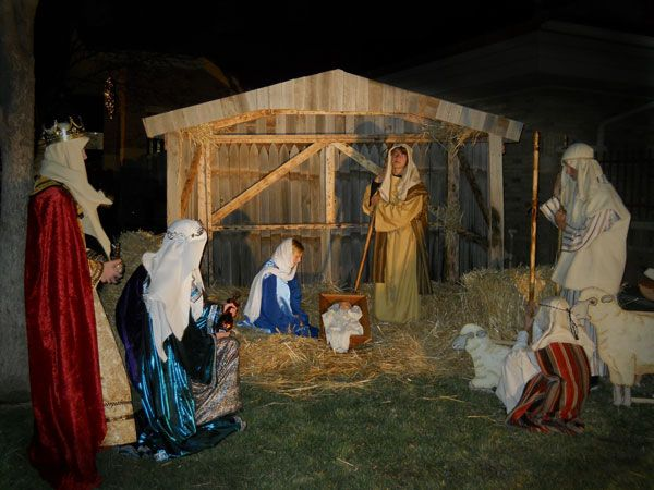 local youth performing a live nativity scene   Live ...