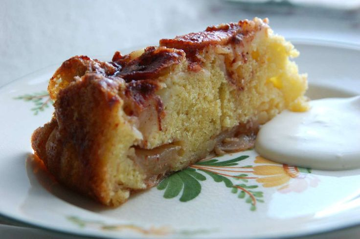 Det skal ikke være min skyld – tænkte jeg i går – hvis du må stå søndagen igennem uden en æblekage. Endnu en æblekage – sukker du sikkert – hvorfor bage netop denne. Har vi …