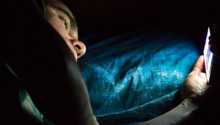 Matikan Ponsel Anda Sebelum Tidur