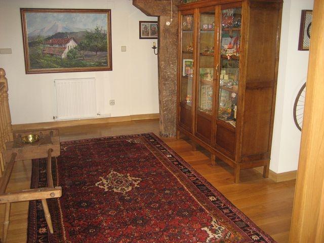 Ambiente rustico con alfombra persa hosseinabad de colores for Alfombraspersas