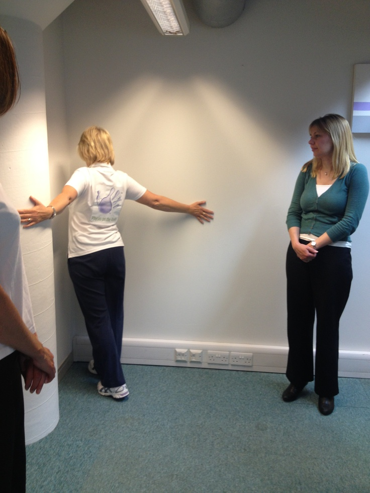 Our #physio Diana Wilson demonstrating stretching exercises!