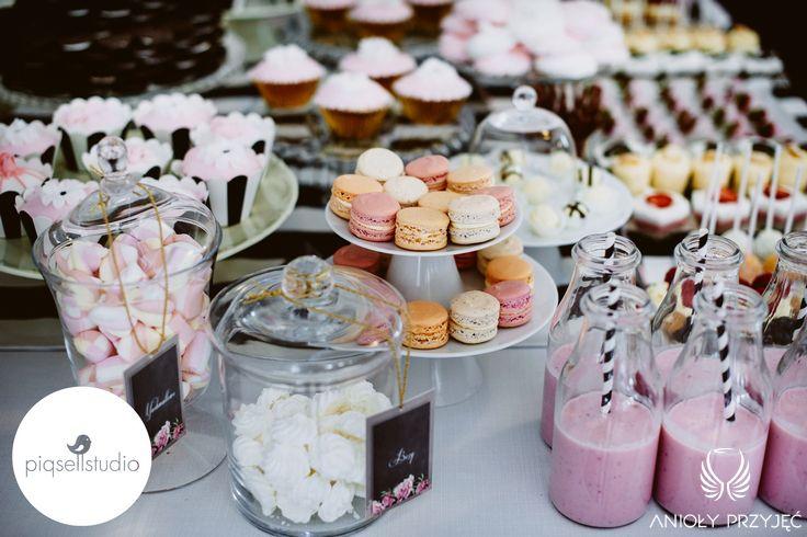 Glamour Wedding,Sweet buffet,Sweet table decoration,Sweets / Wesele galmour,Dekoracja słodkiego stołu,Anioły Przyjęć