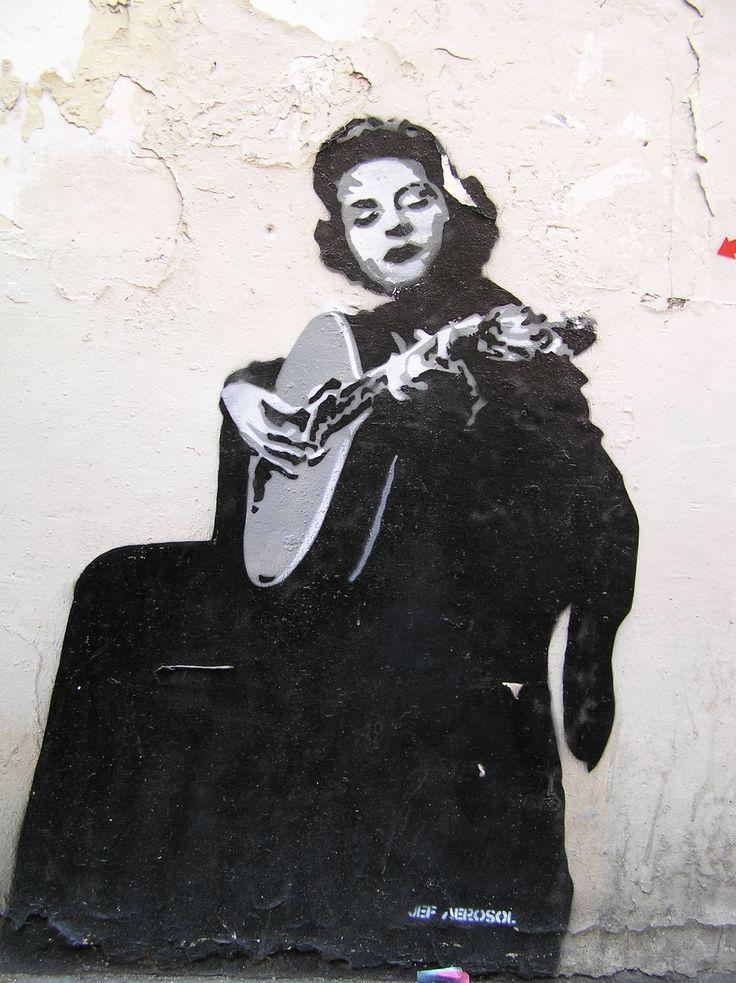 amalia rodrigues street art :))