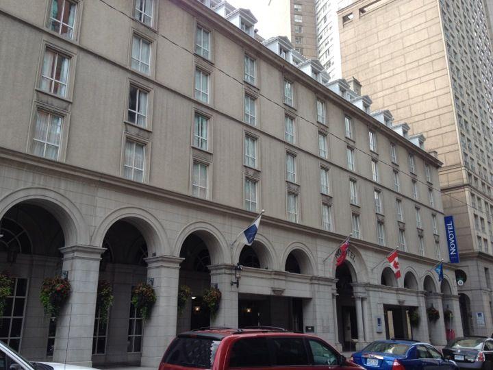 Hotel Novotel Toronto Centre in Toronto, ON