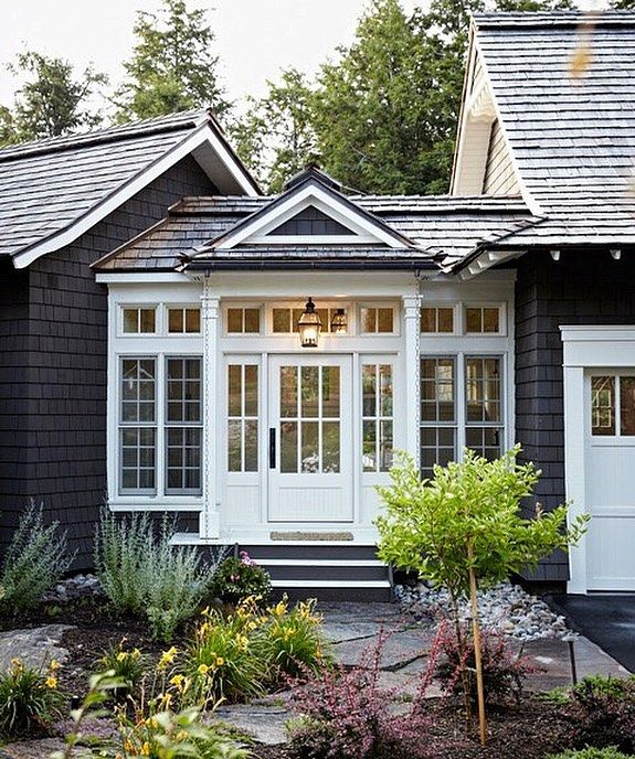A Breezeway Detailed To Perfection Design Interiors Architecture Architecturedesign Interi Cottage Exterior Cottage House Designs Cottage Homes