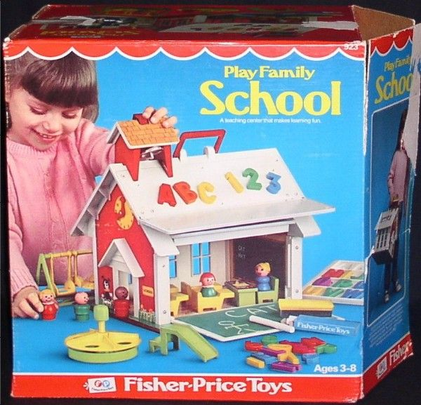 Fisher Price: 1971 Play Family School