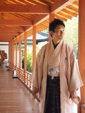 柔らかい色合いが素敵。厳粛な雰囲気の挙式なら。結婚式に着たい新郎の袴姿。ウェディング・ブライダルの参考に。