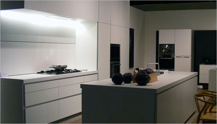 Moderne Keuken Recepten : Moderne nederlandse keuken showroomkeukens