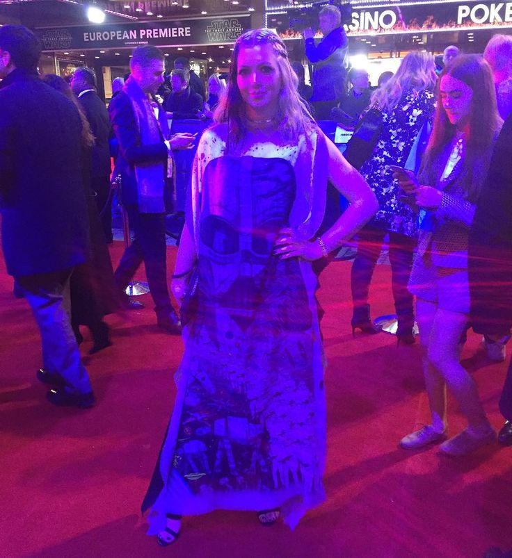 Emma J Shipley x Star Wars scarf (as dress) ⭐️ Star Wars fashion ⭐️ Geek Fashion ⭐️ Star Wars Style ⭐️ Geek Chic ⭐️