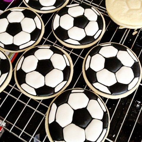 love these soccer cookies