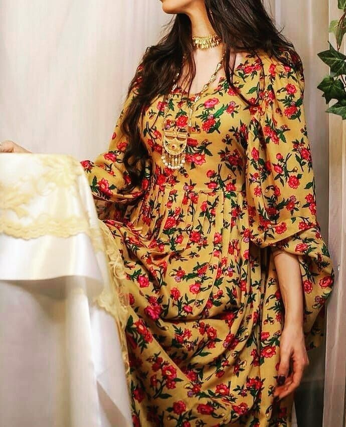 Image May Contain One Or More People And People Standing Woman Suit Fashion Afghan Dresses Arab Fashion