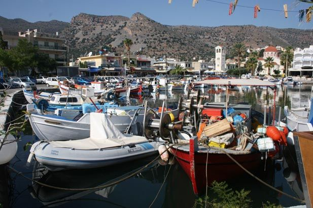 Crete: Unspoiled mountain villages, hospitable and proud Cretans, a wealth of historical monuments and sites of interest, great scenery, easy combination with Santorini and Mykonos. #FiveStarGreece #LuxuryVillas #HolidayMatchmakers