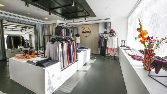 Die Lidl-Marke Esmara präsentiert sich jetzt in einem Pop-up-Store. In den sozialen Netzwerken kündigt der Discounter für Mittwochabend eine Aktion an.
