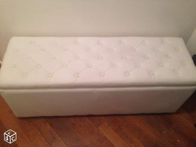 1000 ideas about banquette coffre on pinterest upholstered bench pouf cof - Pouf coffre capitonne ...