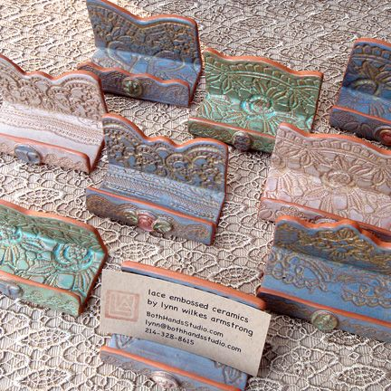 Ceramic Business Card Holder by Both Hands Studio - Porta tarjetas de presentación de cerámica por Estudio Both Hands