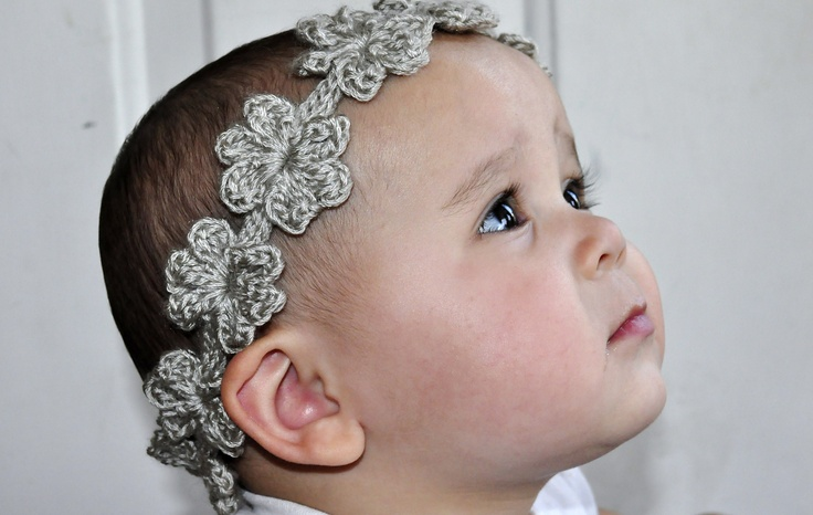 Crochet Hair Garland : Ravelry: Flower Garland Headband pattern by 5packs Crochet