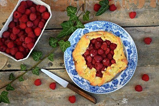Galette czyli rustykalna tarta z malinami