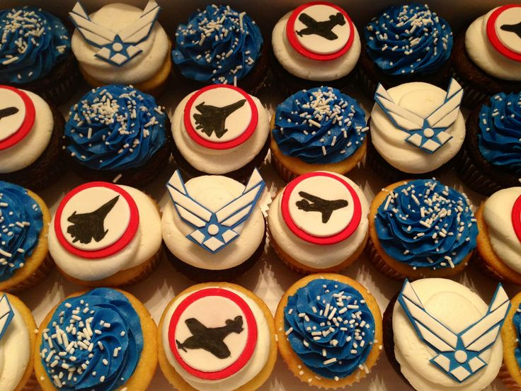 Best 25+ Military cupcakes ideas on Pinterest | Army cupcakes ...
