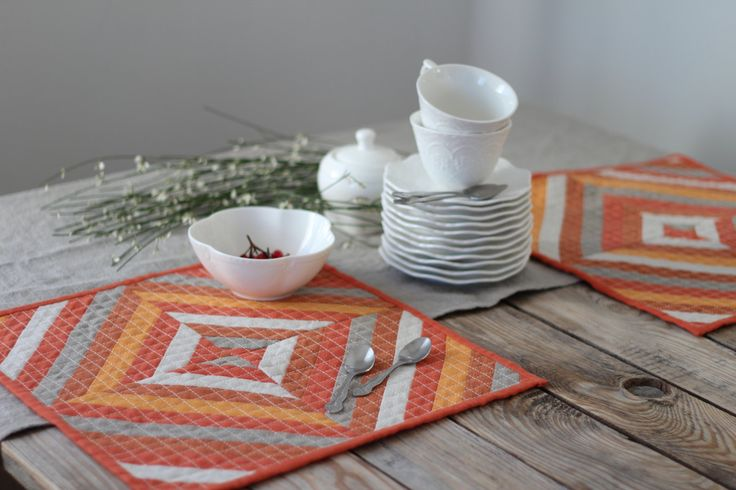 Set of 2 Contemporary Placemats - Quilted Linen Table Toppers - Modern Quilt - Quilted Table Mats by alabatis on Etsy