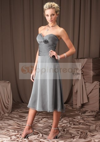 okayy...or maybe this is the one the spirit is telling me to be the bridesmaid dress...in PURPLE......(maybe mix & match)