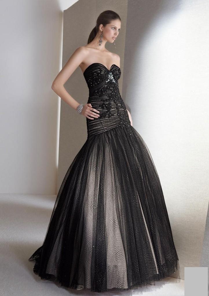 Siyah Gelinlik Modelleri http://www.kadincaweb.net/siyah-gelinlik-modelleri/ #wedding #weddingdress #bridal #weddingstyle #black