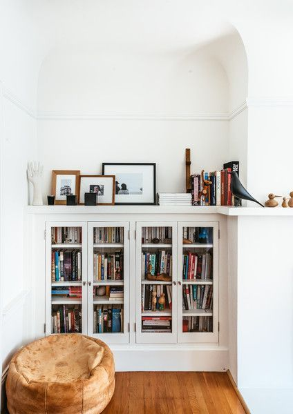 Lovely minimal bookcase in all white