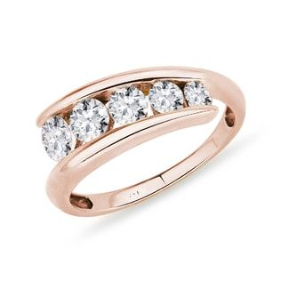 KLENOTA Luxury Diamond ring crafted in 14kt rose gold.