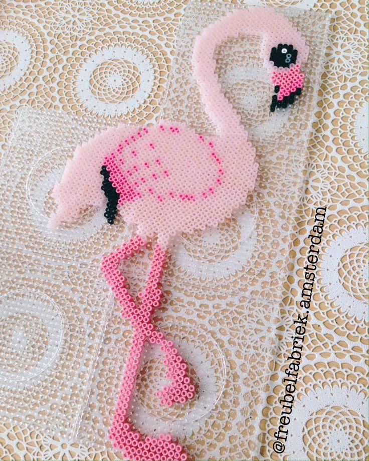 Freubel Inspiratie! Flamingo beadsprite. Nabbi beads Hama beads.