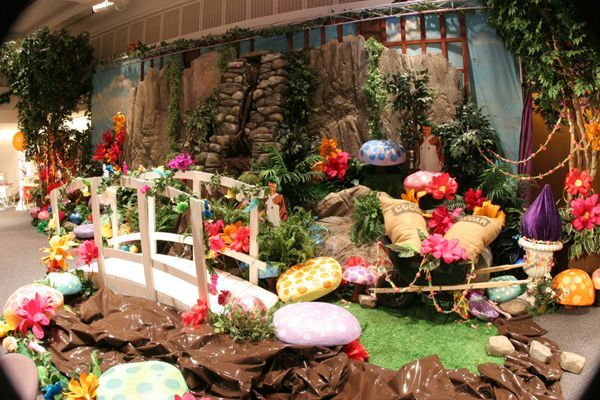 Willy Wonka Chocolate Garden - This will never happen on my stage but I like it.