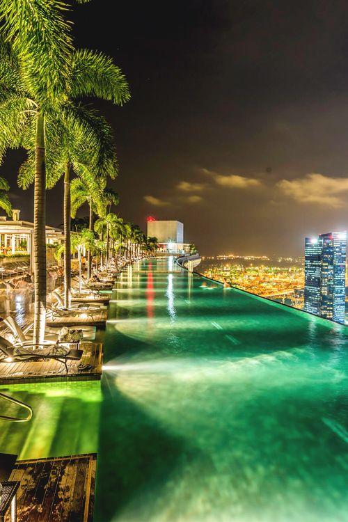 "italian-luxury: "" Infinity Pool, Marina Bay Sands """