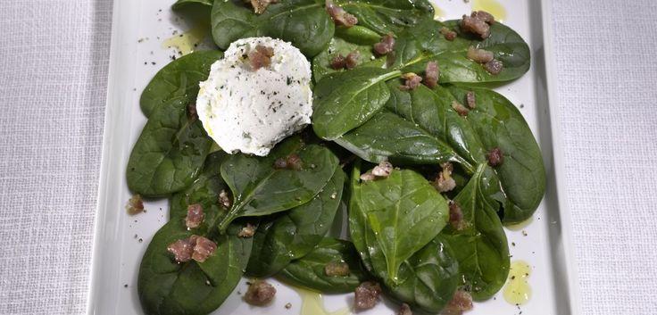 Insalata di spinacini con caprino alle erbe