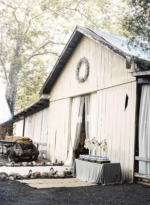 Wesele w stodole Jak i gdzie je zorganizować zdjęcie: Braedon Photography