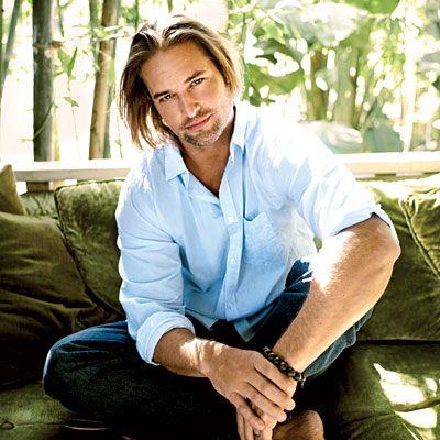 Joshua Lee Holloway (Josh Holloway). Fez o personagem James Ford, conhecido por Sawyer da série Lost.