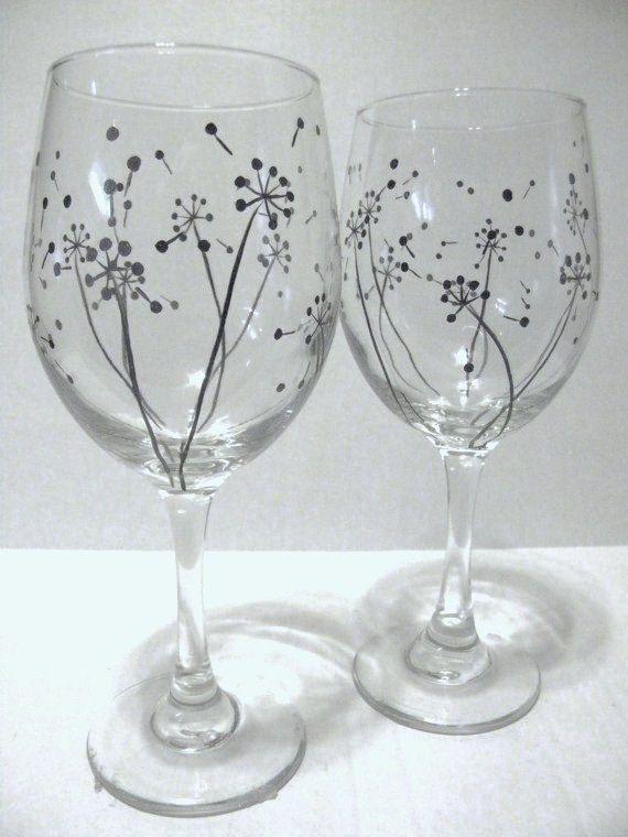 Hand+Painted+Wine+Glasses++Dandelion+por+TheScarletLine+en+Etsy,+$30,00