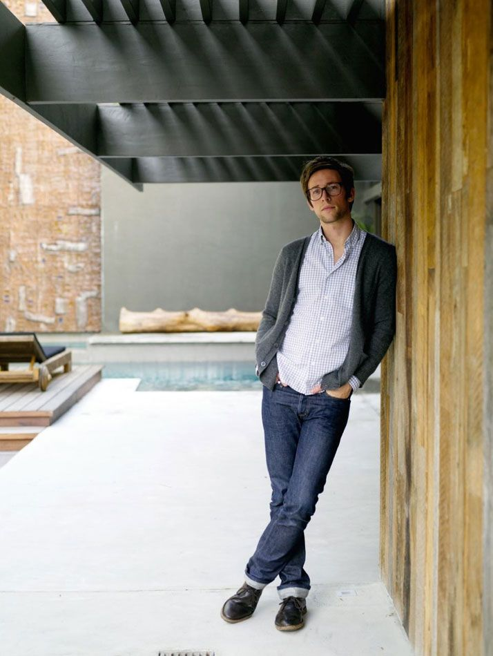 A LOS ANGELES BACHELOR PAD DESIGNED BY COMMUNE... A young entrepreneur hires L.A. design collective Commune to bring out a home's bachelor.