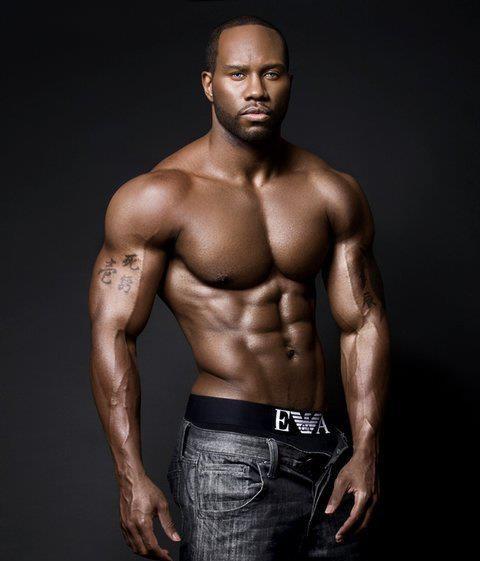 § Charles Flanagan | Oh My Men | Pinterest | ボーイズ と 筋肉