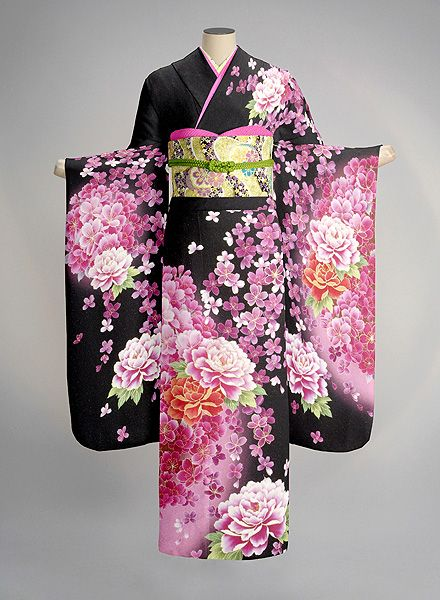 Contemporary furisode - I would wear this in a heartbeat!