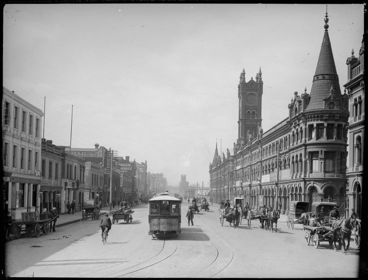 Looking east down Flinders Street, Melbourne, circa 1910 with old Fish Market (demolished 1956) on the right. Photograph from State Library Victoria.