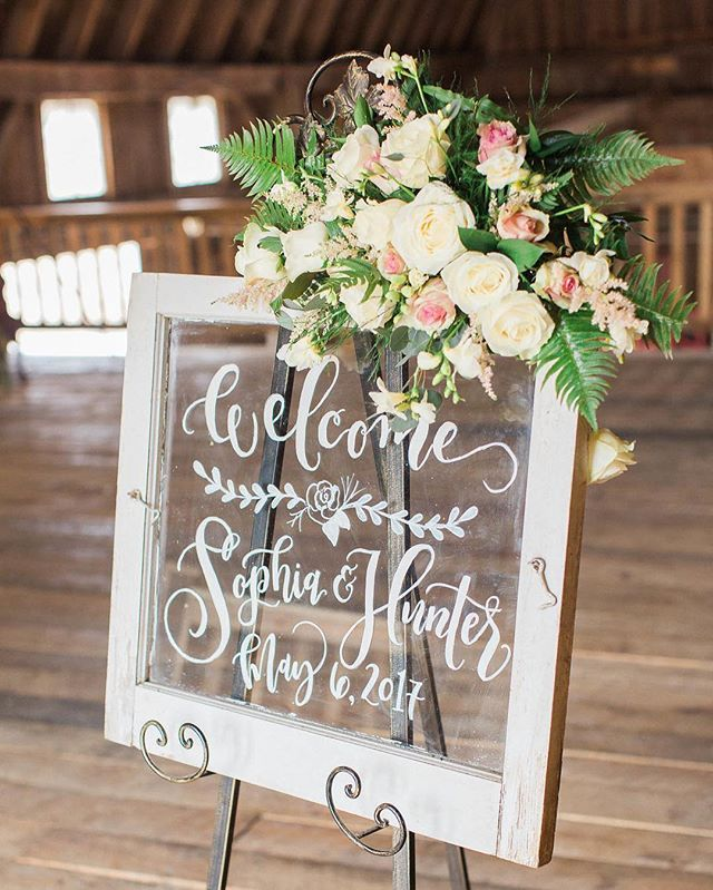 I love a good welcome sign. Or any pretty, hand lettered sign for that matter.  Windows, frames, wood, mirrors or chalkboards - whatever your vision might be, we have what you need! Excited to see my friend @handmadedarling again this weekend for another fun collaboration!  Calligraphy: @handmadedarling  Photo: @annaelizphoto  Floral: Wedding & Event Florals by Vinnie