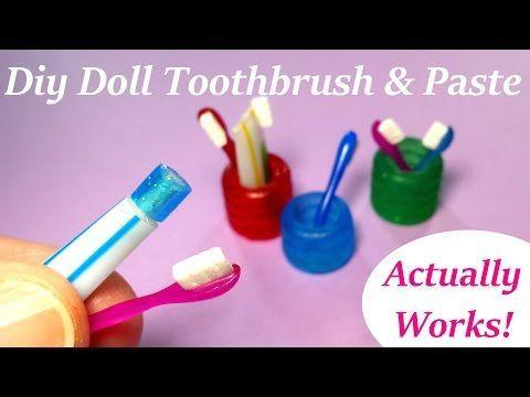 Bote, cepillo y pasta de dientes