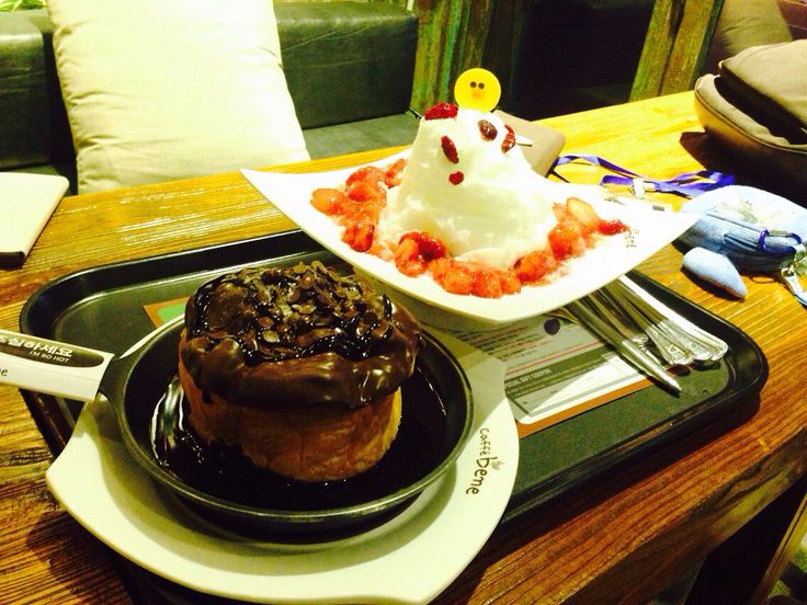 Chocolate cake and tiramisu bingsu