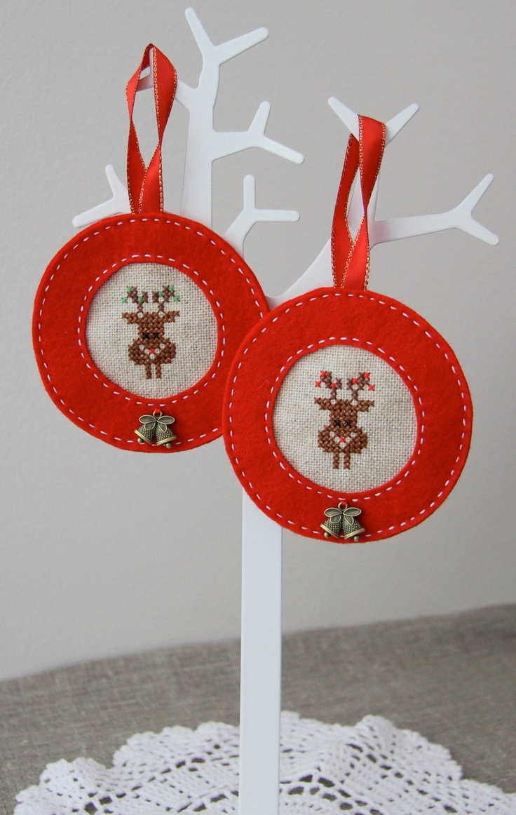 Christmas stitched reindeer, for sale on  Etsy.